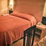 camera-matrimoniale-hotel-dei-pini-fiuggi-terme-stanze